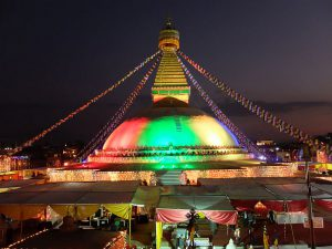 09_stupa-bunt-erleuchtet_19112916